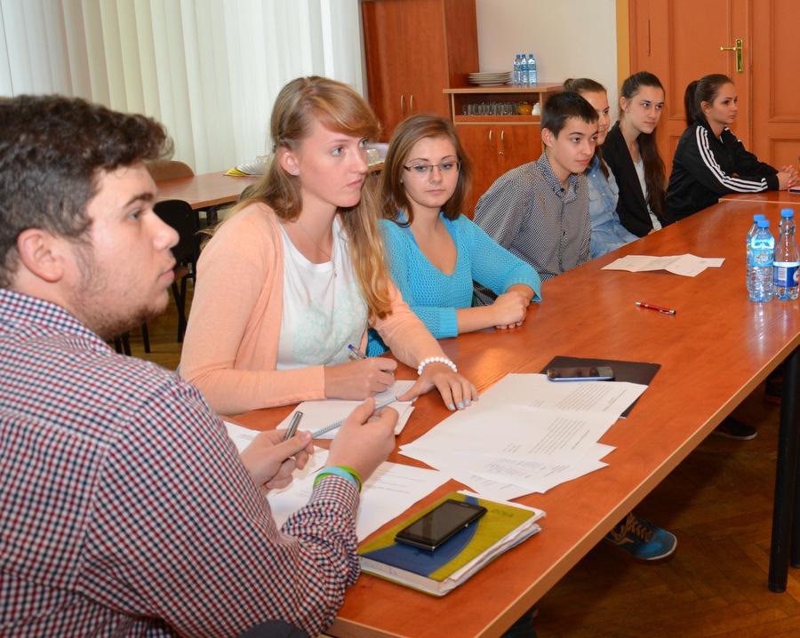Ilustracja do informacji: Sesja młodzieżowej rady