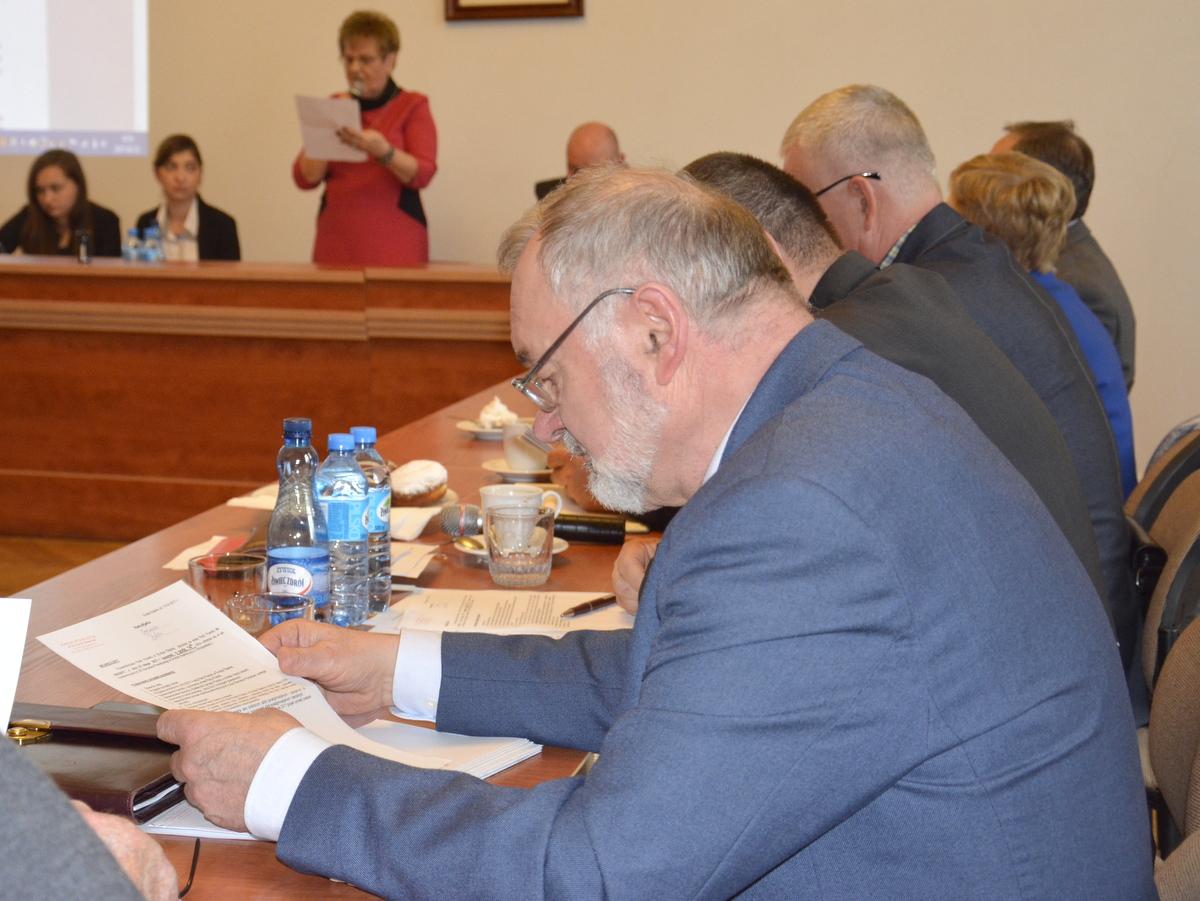 Ilustracja do informacji: Lutowa sesja rady powiatu