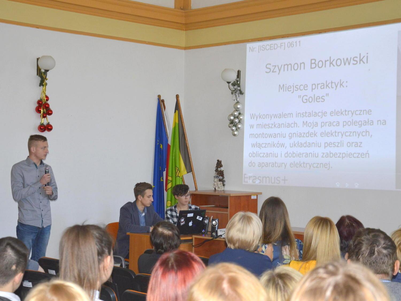 Ilustracja do informacji: Przedstawili korzyści z Erasmusa