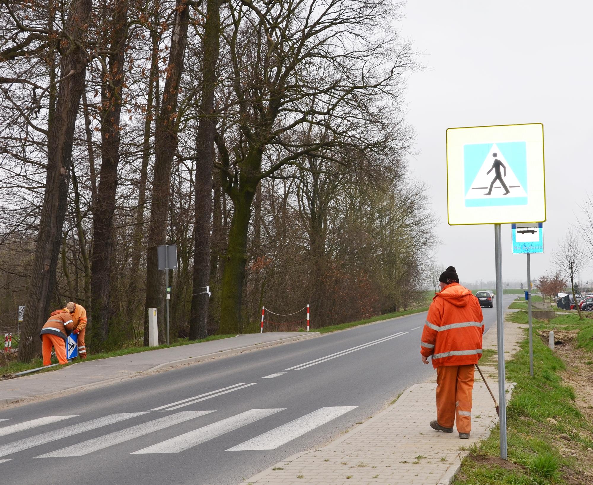 Ilustracja do informacji: 45 tys. zł na nowe znaki drogowe