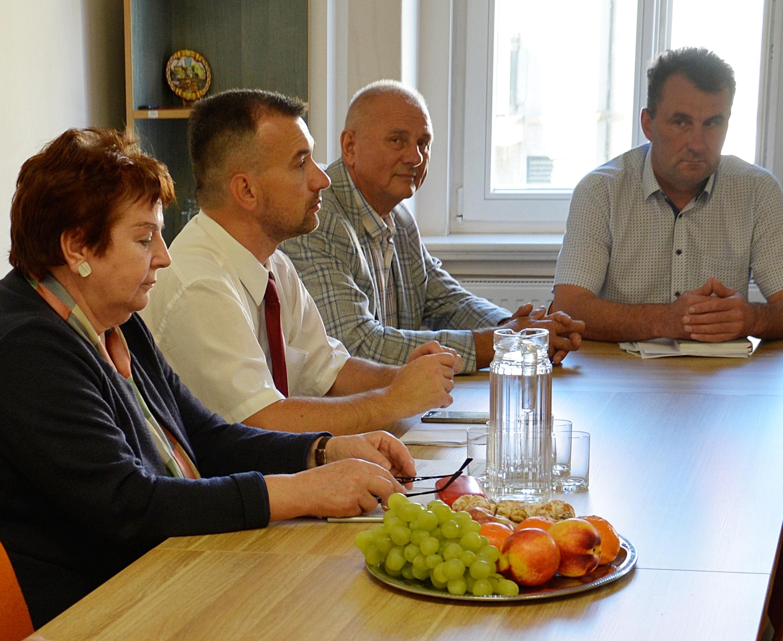 Ilustracja do informacji: Spotkanie władz samorządowych ws. inwestycji drogowych