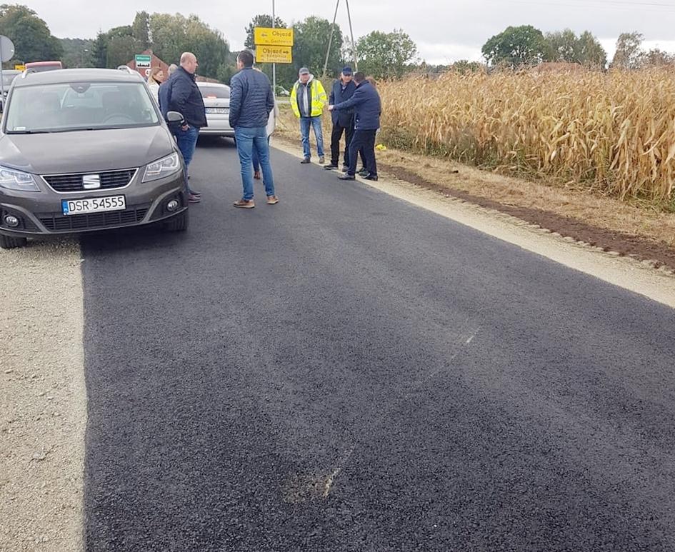 Ilustracja do informacji: Droga powiatowa Wilkostów-Czerna odebrana